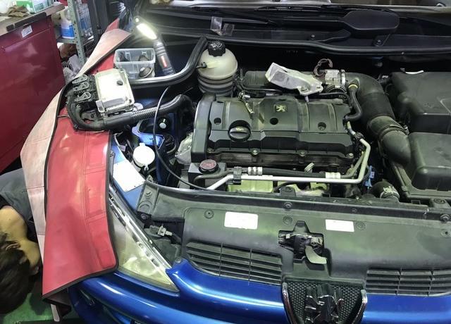 【プジョー206cc 】エンジン振動の為、右側エンジンマウント・補助マウント交換