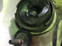 【プジョー206cc 】エンジン振動の為、右側エンジンマウント・補助マウント交換の画像1